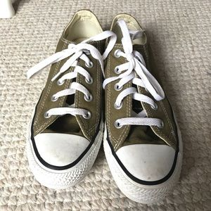 Women's Low Top Converse